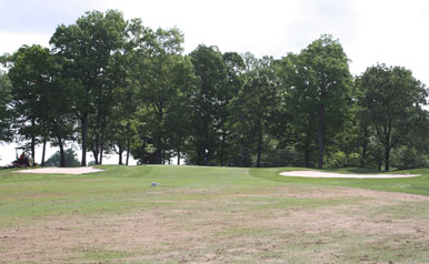 London Downs Hole 11